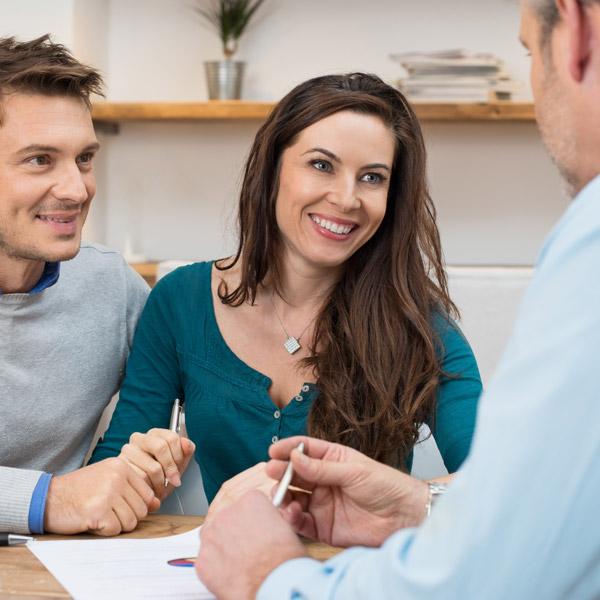 incontro con agente immobiliare